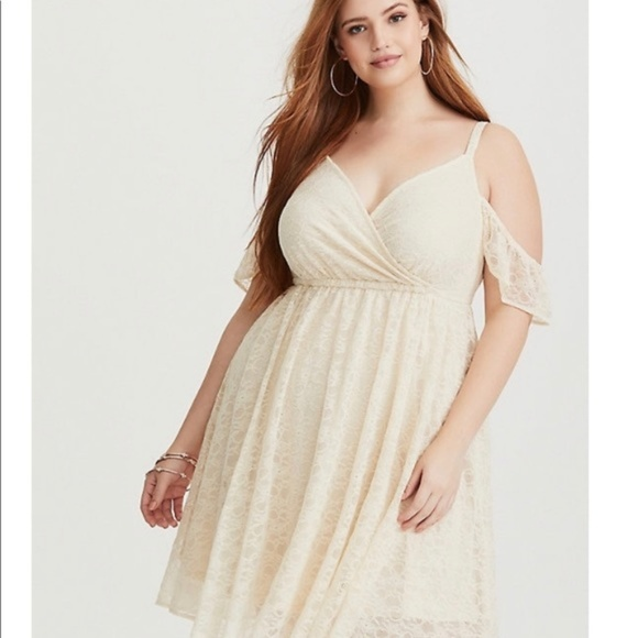 Ivory Lace Cold Shoulder Skater Dress Plus Size 00 NWT